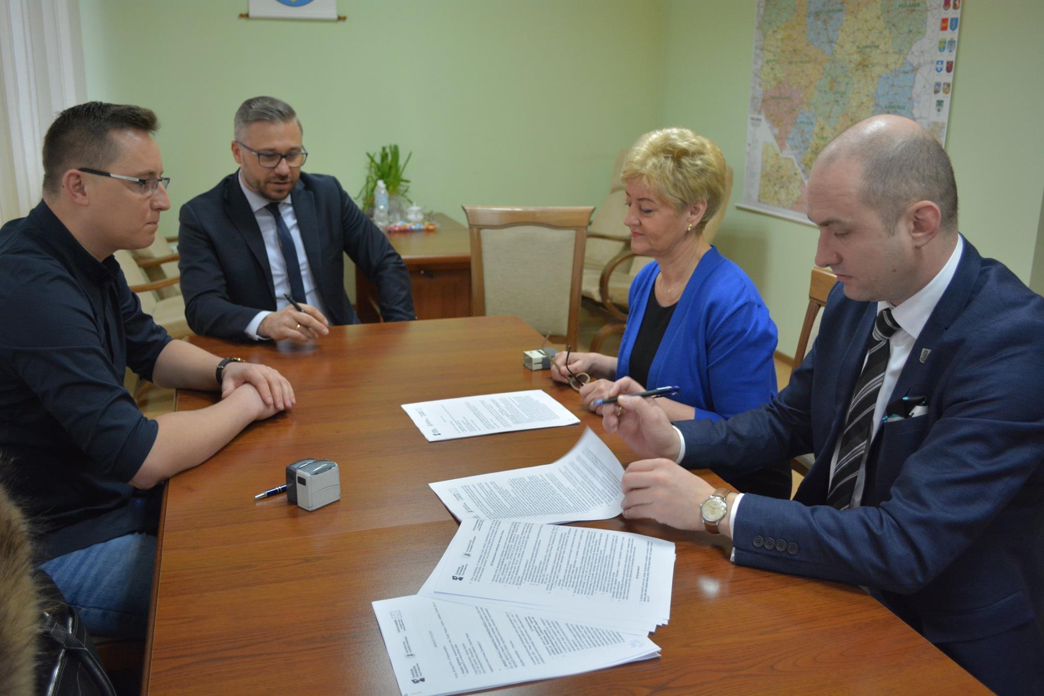 Podpisanie umowy na realizację inwestycji w Rypinie
